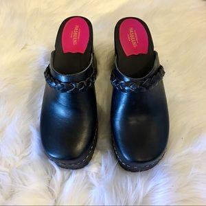 Swedish Hasbeens. Size 40